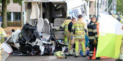 Dode en gewonden door botsing camper met tram