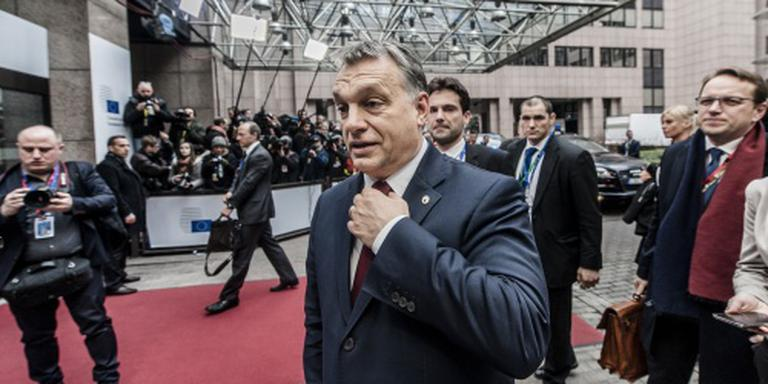 Hongarije vetoot luchtbrug migranten Turkije