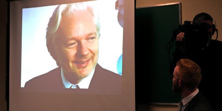 Zweden mag Assange ondervragen in ambassade