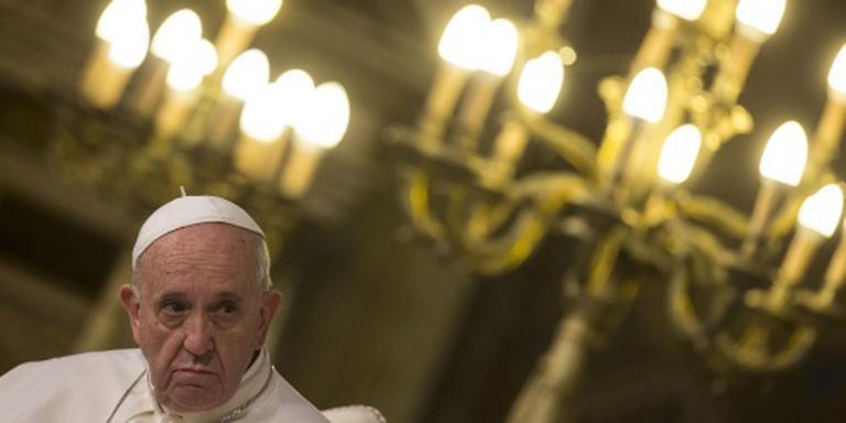 Criminelen bieden peperdure pauskaartjes aan