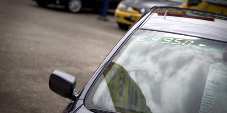 Verkoop tweedehands auto's trekt verder aan