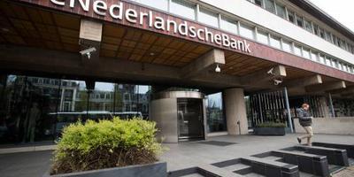 Aanpak witwassen bij meer banken onvoldoende