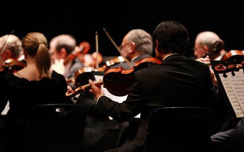 Een puik avondje bekend en niet alledaags door het Fries Symfonie Orkest (★★★★)