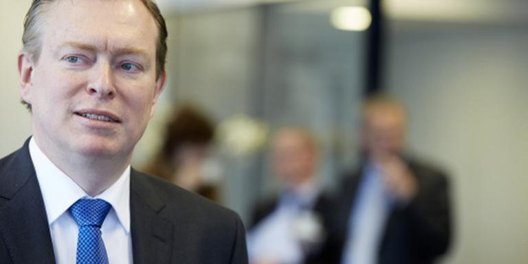 Dekker blijft bij partijgenoot als NPO-baas
