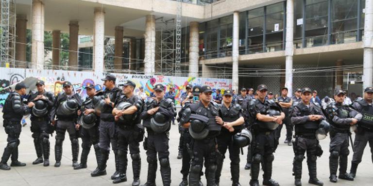 Gepensioneerde agenten moeten Rio beveiligen