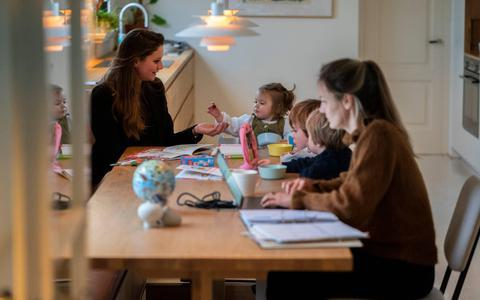 Noodkreet om coronaverlof: 'Ouders zitten tegen een burn-out aan'