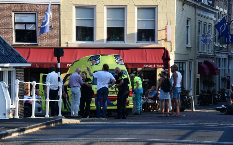 Scooterrijder zwaargewond bij ongeval in Harlingen.