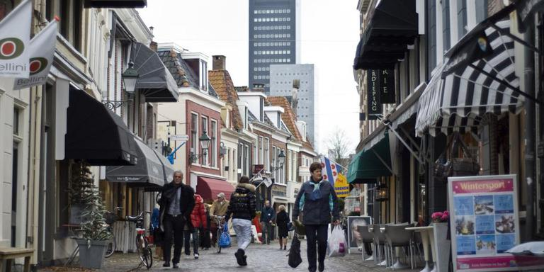Kleine Kerkstraat in Leeuwarden wint weer
