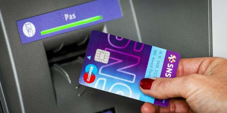 SNS komt met aankoopverzekering voor pinpas