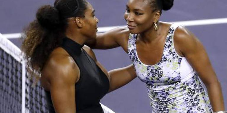 Serena strijdend ten onder tegen zus Venus