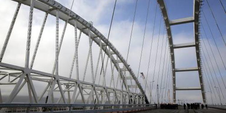 EU straft Russische bedrijven voor Krim-brug