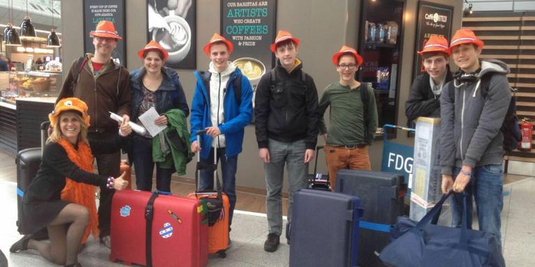 Team JustNormal met linksonder de coach van team Zeeland.