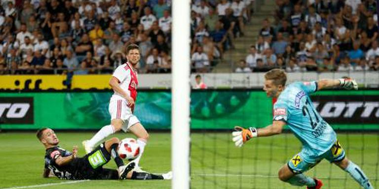 Huntelaar helpt Ajax met twee treffers
