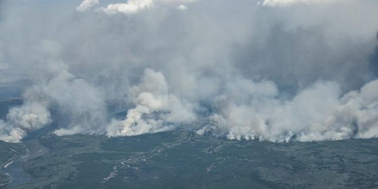 'Moeder Natuur' helpt brand Alberta stuiten