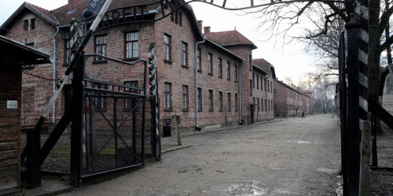 Oud-bewaker Auschwitz sterft vlak voor proces