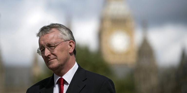 Britse oppositieleider ontslaat criticaster