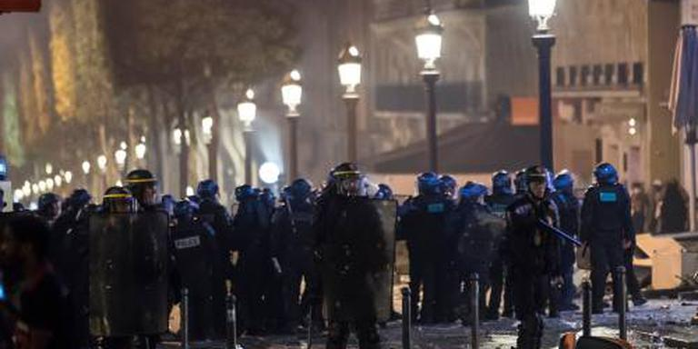Ophef over slaande medewerker Macron