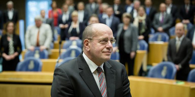 Kamer debatteert over Teeven-deal