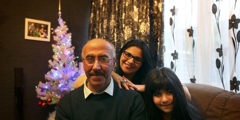 Freeyad Ibrahim met echtgenote Sana en jongste dochter Jasmine. Foto Catrinus van der Veen