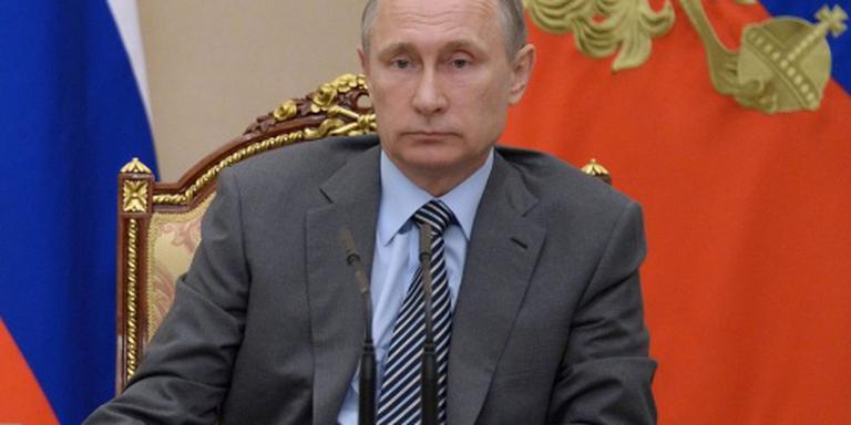 Poetin zwaait Russische sporters uit
