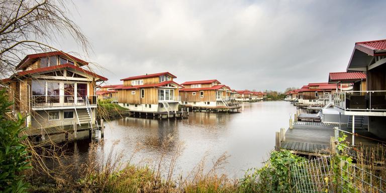 De Rabobank heeft beslag gelegd op jet luxe vakantiepark Zwartkruis bij Noardburgum. Foto Marcel van Kammen