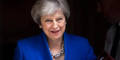May boekt brexitsuccesje in parlement