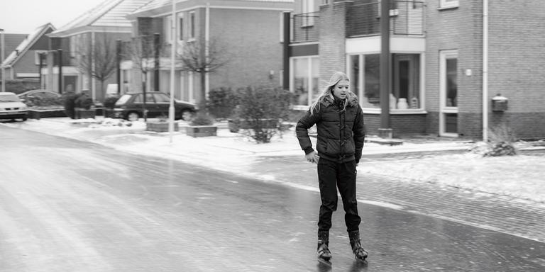 #Dokkum keerpunt #elfstedentocht op schaatsen over de weg. Foto Edwin Reitsma