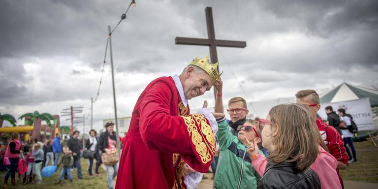 De Koning roept was zaterdag het thema van christelijk festival 316 in Ureterp. Foto Jilmer Postma