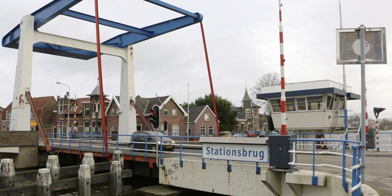 Sloop Franeker Stationsbrug op webcam