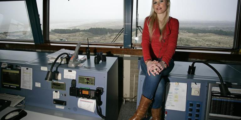 Nicolette van Berkel, sinds 2006 vuurtorenwachster en verkeersleider op de Brandaris. FOTO ANNE ZORGDRAGER