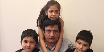 Kalma Safi (6) met familieleden. FOTO CATRINUS VAN DER VEEN