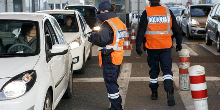 EU-burgers strenger gecontroleerd aan grens