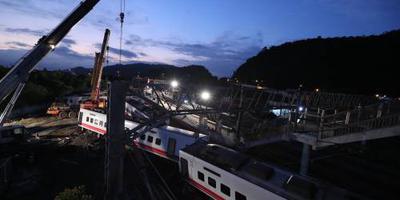 Taiwan rouwt om slachtoffers treincrash