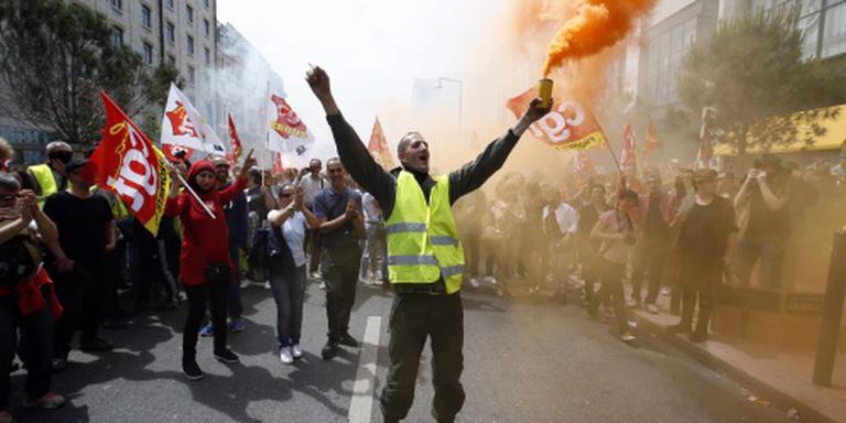Franse premier: niet zwichten door protesten