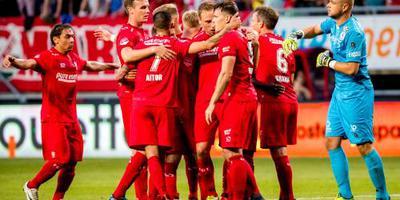 FC Twente slaat ver in blessuretijd toe