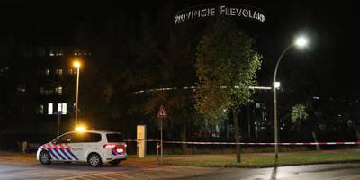 Ook spandoeken op provinciehuis Lelystad