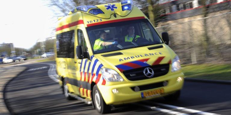 Twee doden bij aanrijding bus met auto