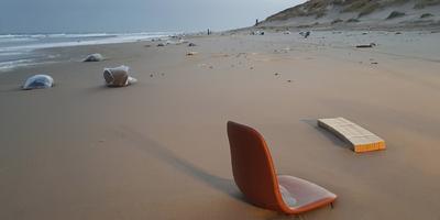 Het strand van Vlieland. FOTO RONALD DE JONG