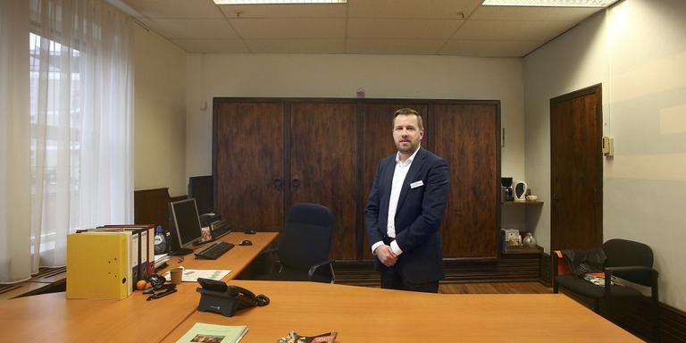 Bedrijfsleider Auke Henk Doornbosch in de voormalige directiekamer van het warenhuis. FOTO NIELS WESTRA