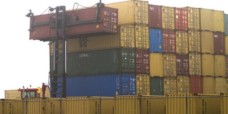 Overslag in haven Amsterdam neemt af