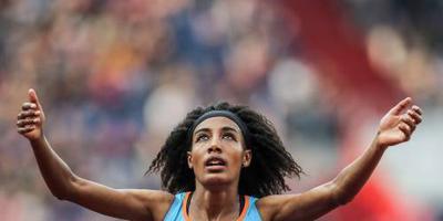 Hassan pakt wereldrecord 5 km op de weg