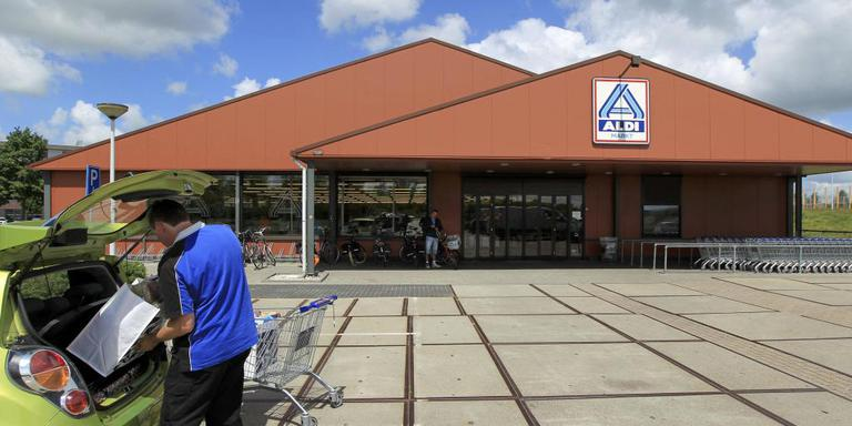 De Lidl delft het onderspit in een voortgaande strijd tegen collega-discounter Aldi in Heerenveen. FOTO LC/JAN DE VRIES