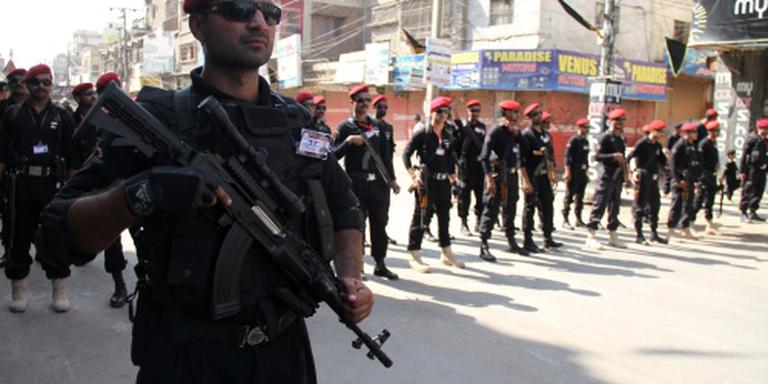 Pakistan pakt tientallen extremisten op