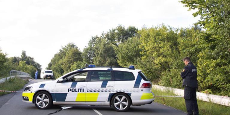 Vrouw gedood door werpen betonblok op snelweg