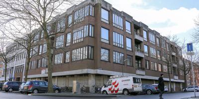 Het toekomstige appartementengebouw, hier op de hoek van de Baljeestraat en de Van Swietenstraat. FOTO LC/ARODI BUITENWERF