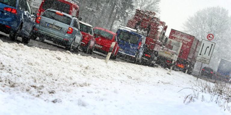 Slecht weer zit wintersportverkeer nog dwars