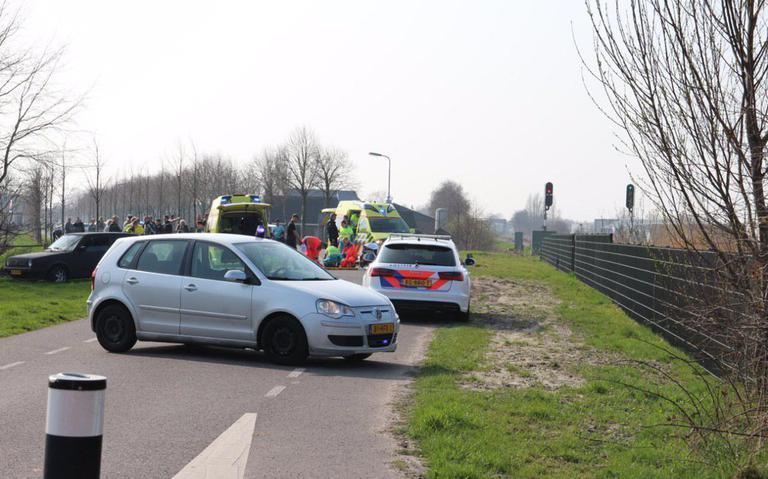Motorrijder en fietser in botsing in Buitenpost.