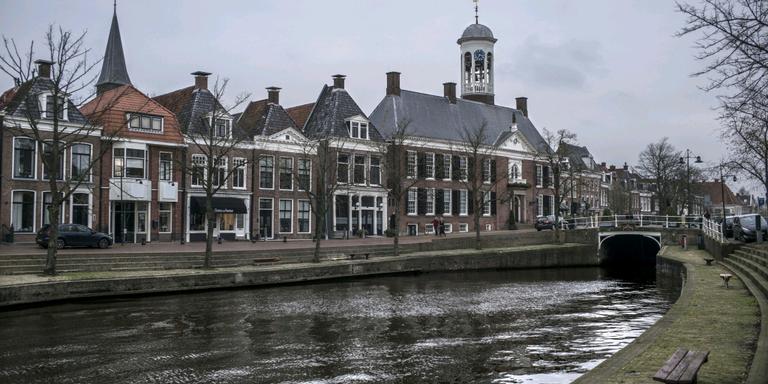 Het stadhuis van Dokkum. Foto Jan Zeeman