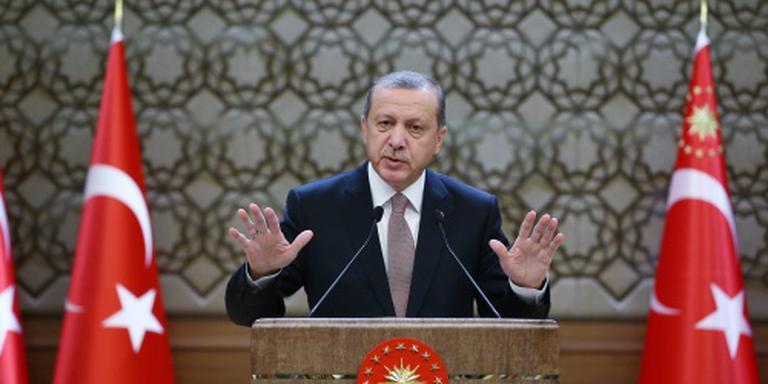 Duitse tv-komiek ondergedoken om Erdogan-rel