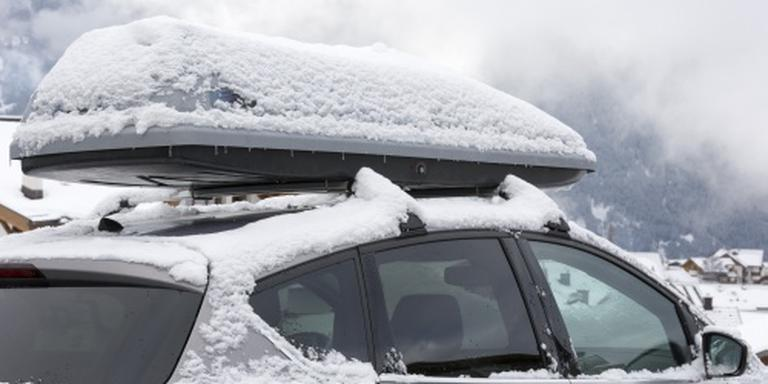 Lange file op route naar wintersportgebieden